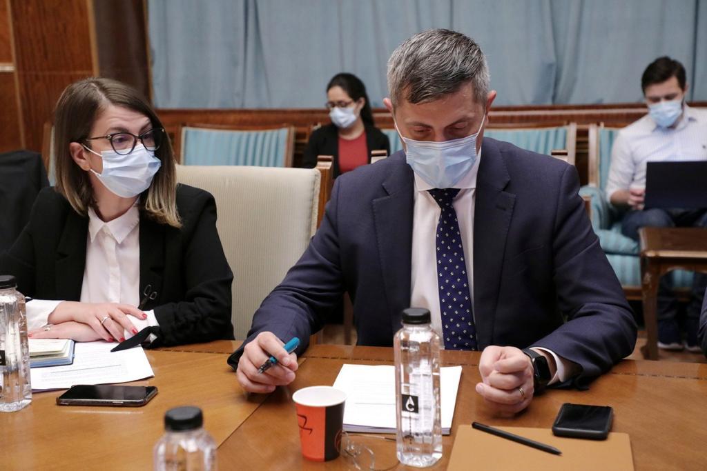 Dan Barna refuză propunerea lui Cioloş de a renunţa amândoi la cursa pentru şefia USR-PLUS
