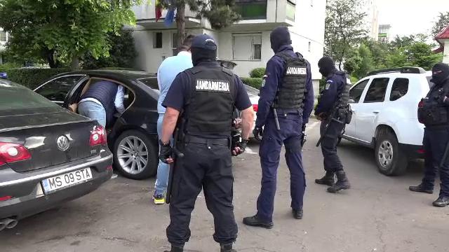 15 tinere au fost silite să se prostitueze în apartamente din Reghin. Ce au observat vecinii