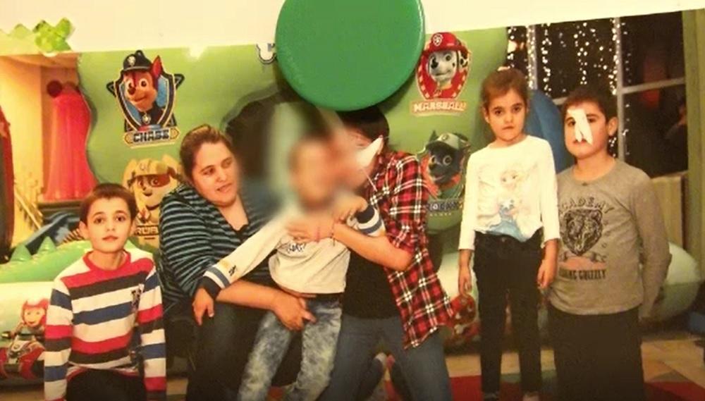 Șase copii sărmani, crescuți doar de mama lor, abia reușesc să se descurce. Visul lor este să vadă marea