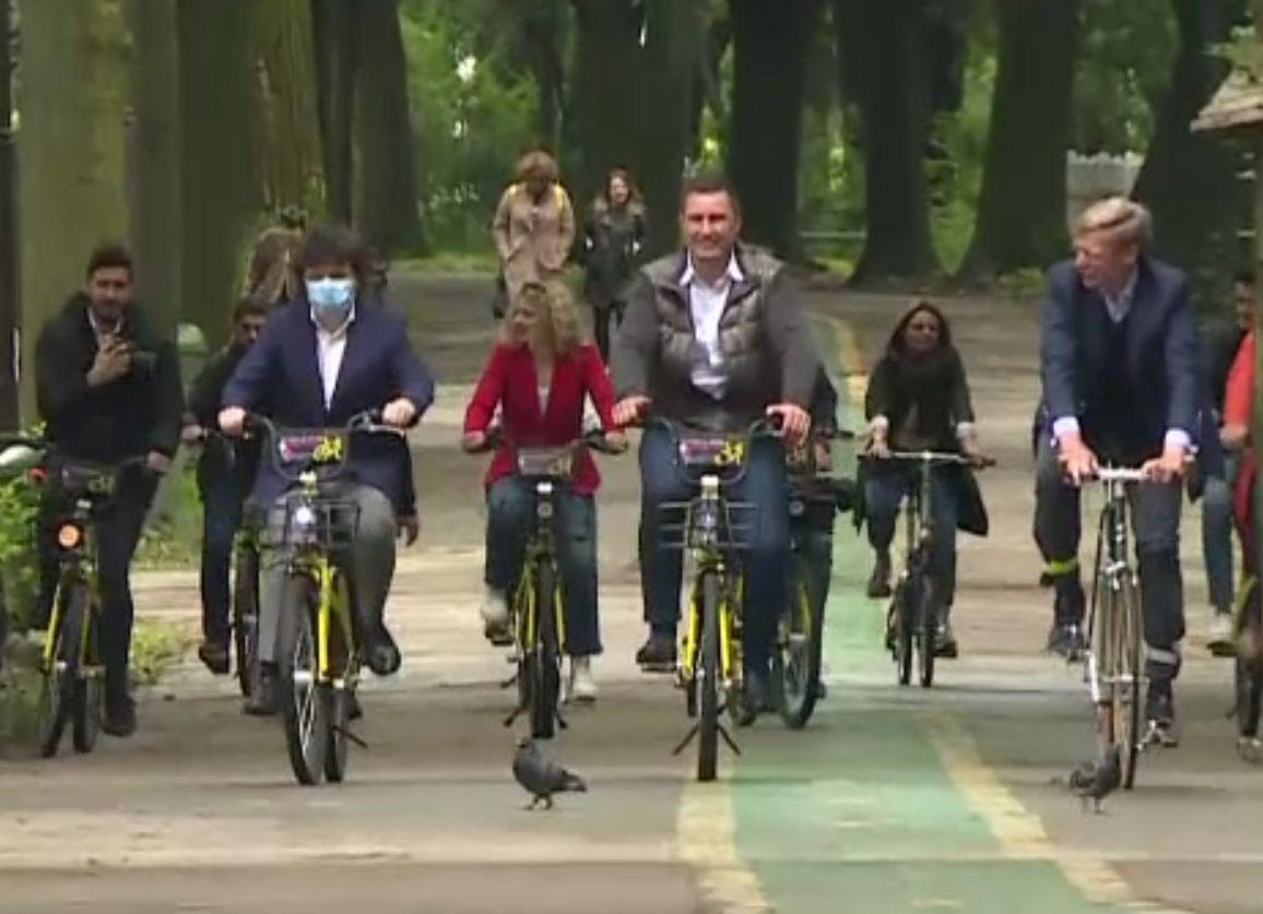 E criză de biciclete pe piață. Oamenii așteaptă comenzi de anul trecut. Nici piese de schimb nu se mai găsesc