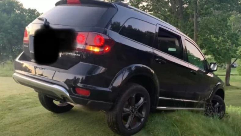 Un șofer a rămas blocat pe un teren de golf din cauza GPS-ului, în SUA
