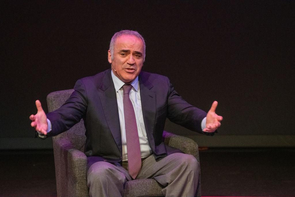 Garry Kasparov, cel mai bun jucător de şah al tuturor timpurilor, este la Bucureşti. Ce ne-a povestit