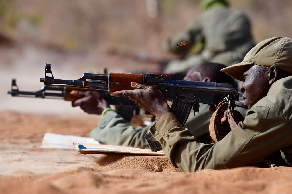 Atacatori înarmaţi au ucis 100 de civili într-un sat din Burkina Faso