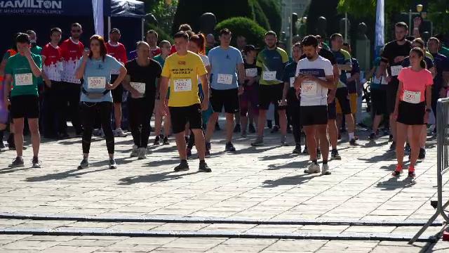 Sute de oameni au alergat într-o cursă de cinci kilometri la Timișoara. Participanții adună bani pentru cauze nobile