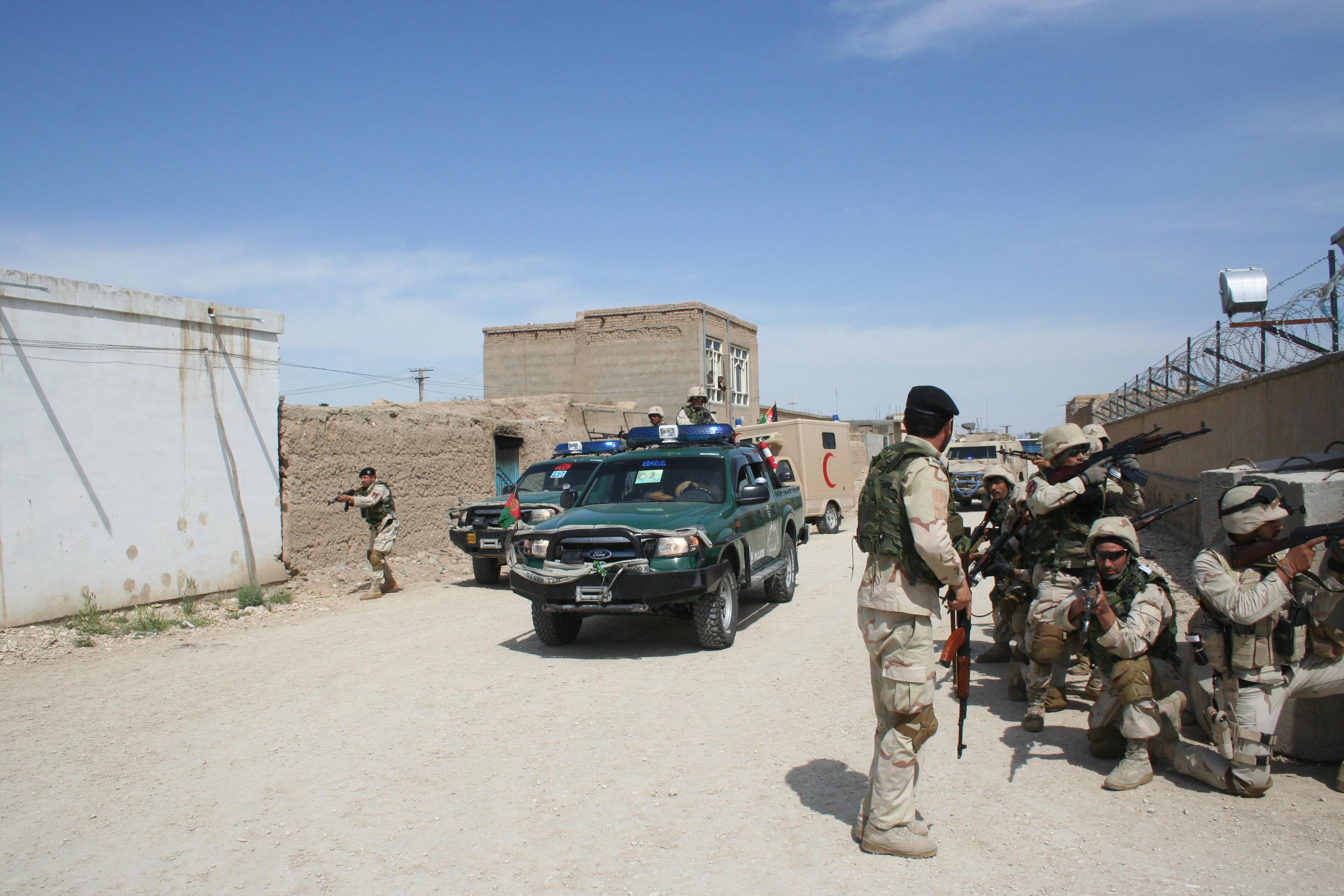 Un autobuz a explodat în Afganistan, în urma unui atac cu bombă. Cel puțin 11 persoane au murit