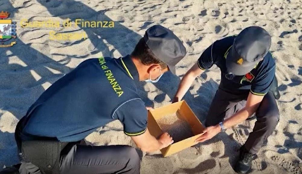 Amenzi uriașe pentru cei care pleacă cu scoici sau cu nisip de pe plajele din Sardinia