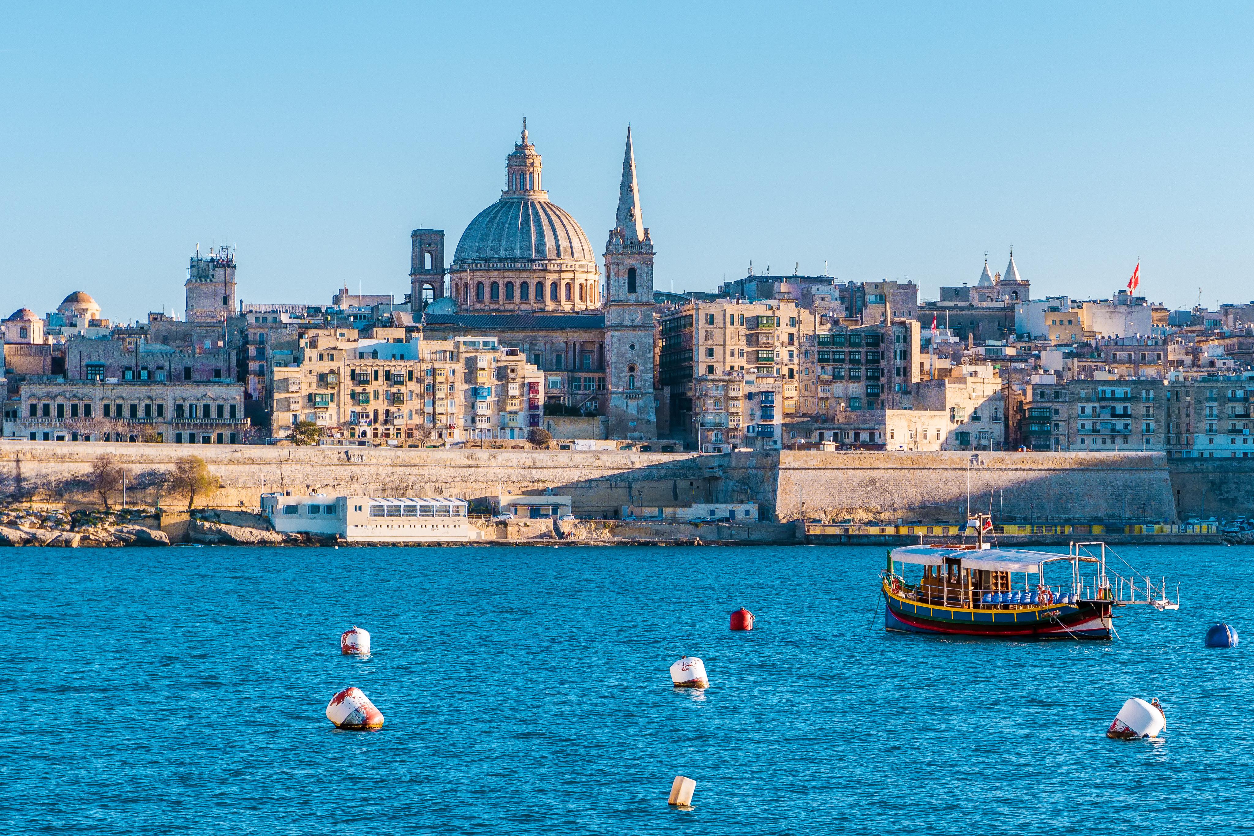 Malta îşi închide frontierele pentru călătorii care nu s-au vaccinat împotriva COVID-19