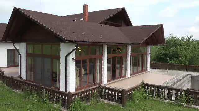 Conacele impozante din România au început să își găsească proprietari străini. Cât costă o astfel de proprietate