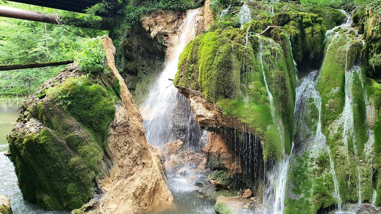Prăbuşirea cascadei Bigăr este investigată de Garda Naţională de Mediu. Romsilva respinge acuzațiile de neglijență