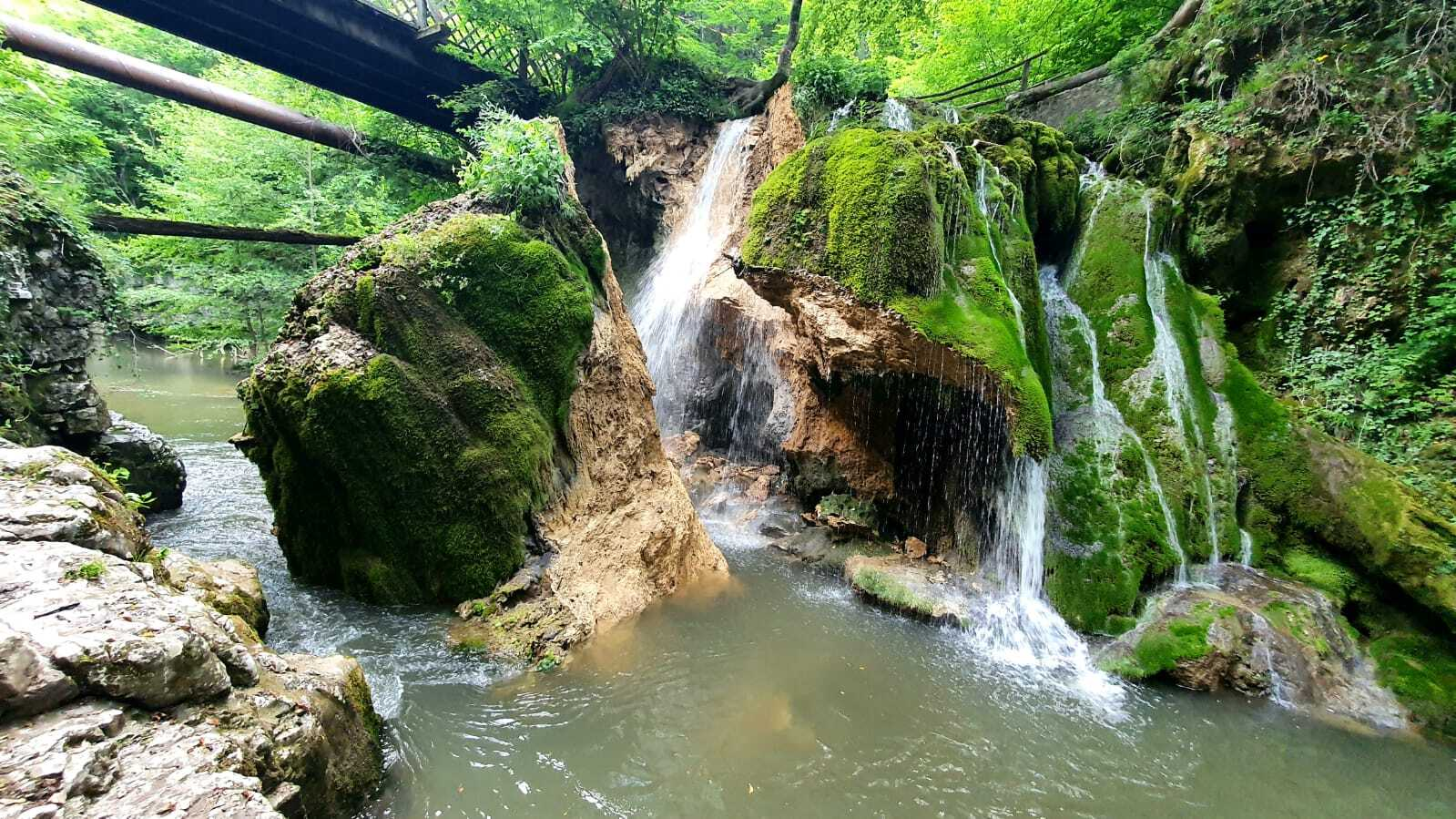 Cascada Bigăr s-a prăbuşit. Era cel mai vizitat loc din județul Caraș-Severin. VIDEO