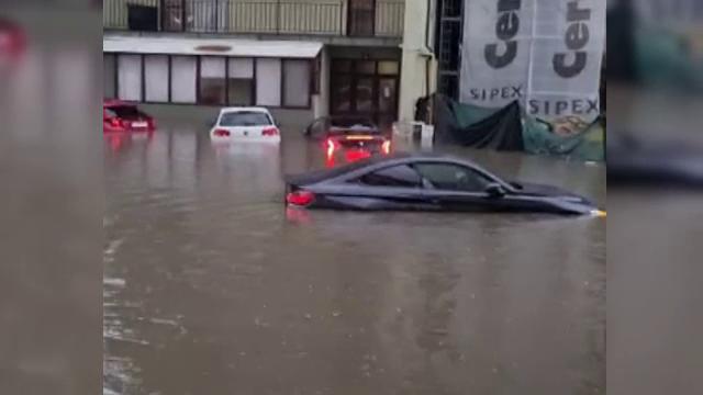Craiova, sub ape după o ploaie torențială. Străzile au devenit în scurt timp lacuri