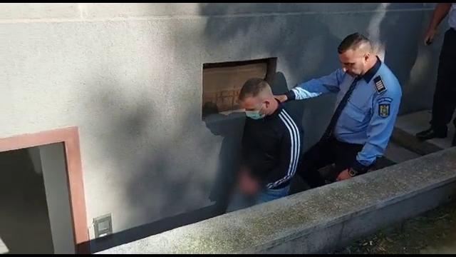 Polițist din Constanța arestat după ce a bătut crunt un bărbat. Nu se știe dacă victima va supraviețui