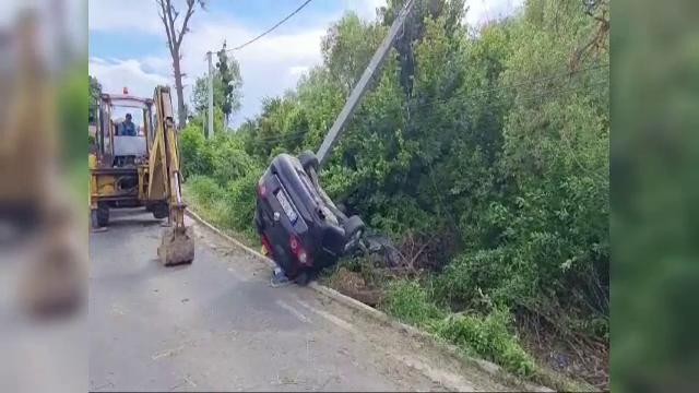 Un bărbat a murit în Iași după ce s-a răsturnat cu mașina. Cum s-a întâmplat