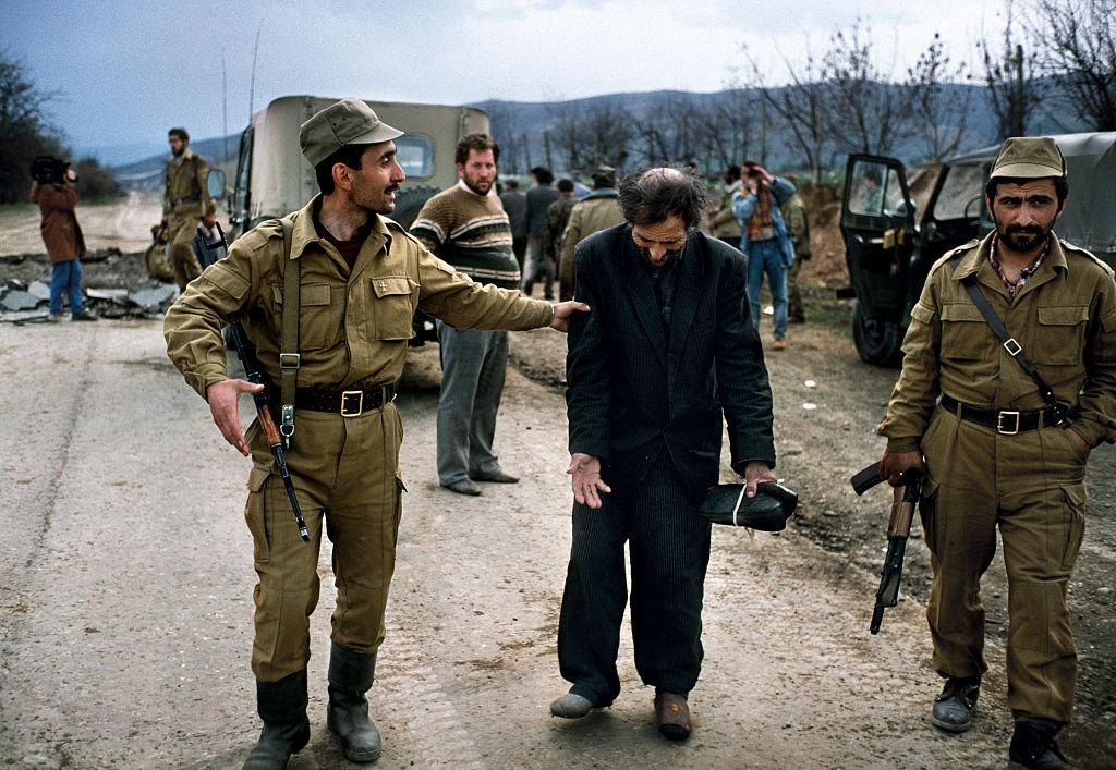 Premierul Armeniei vrea să-l ofere pe fiul său Azerbaidjanului în schimbul prizonierilor de război de la Baku