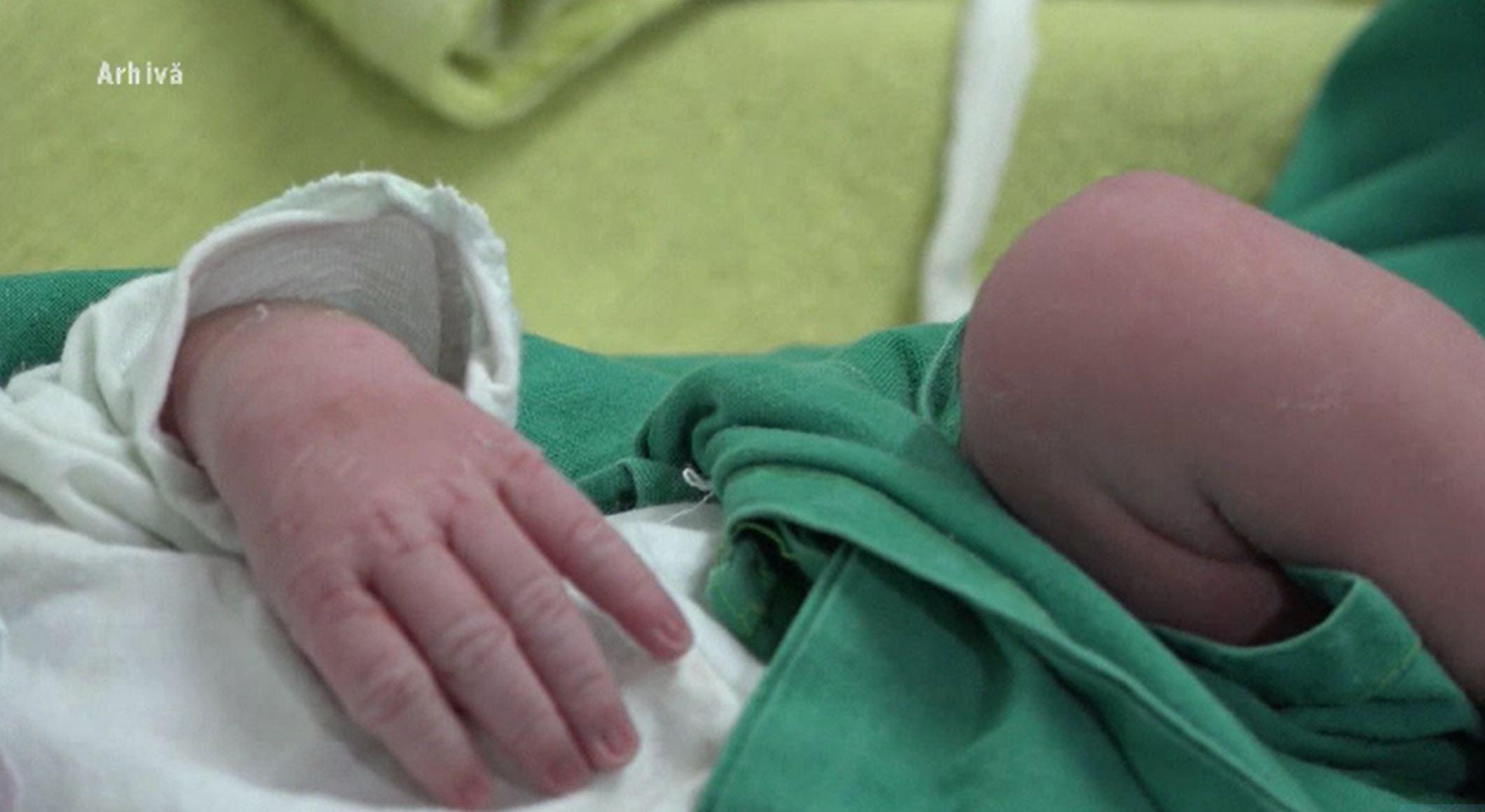 Noi detalii în cazul bărbatului din Galați care și-a dus bebelușul la spital în stare gravă. Ce au descoperit anchetatorii