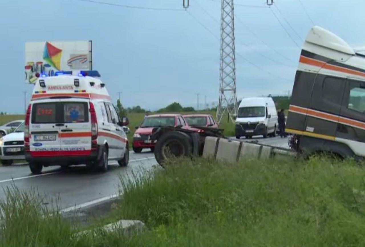 Carambol la Ilfoveni, pe Șoseaua București-Târgoviște. Șoferul responsabil a fugit de la fața locului