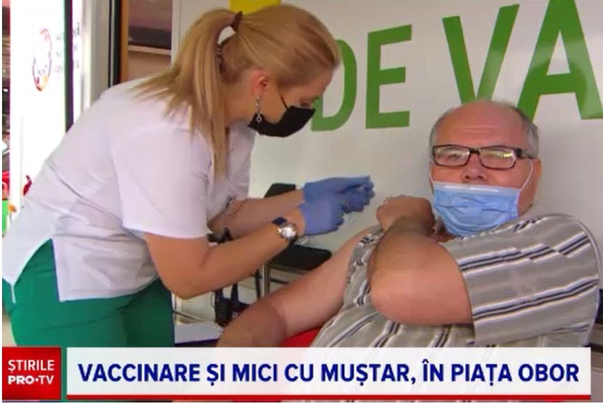 """Românii au făcut coadă în Piața Obor, la vaccinarea cu mici: """"Cine ar zice nu la așa o ofertă?"""". """"Așa este românul!"""""""