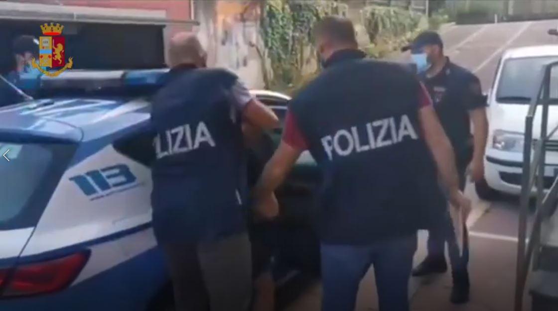 Poliţia italiană a arestat un cetăţean român în cazul migranţilor vietnamezi morţi în Anglia