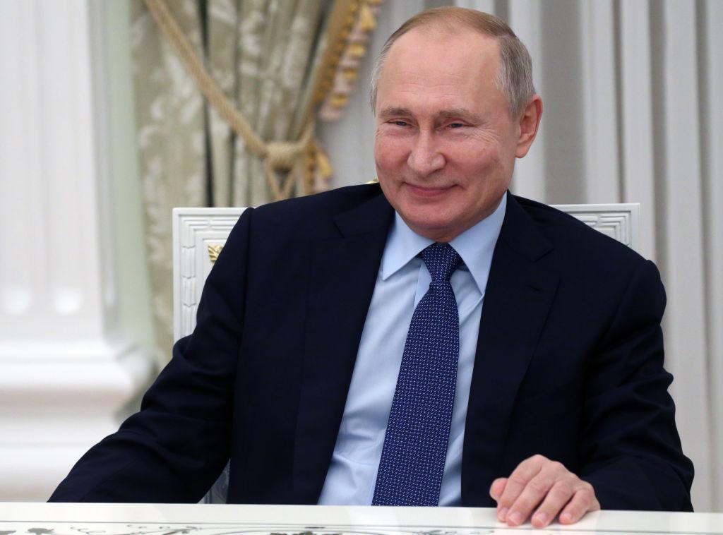 """Vladimir Putin: """"Rusia nu foloseşte gazele ca o armă şi este gata să ajute Europa să atenueze criza energetică"""""""