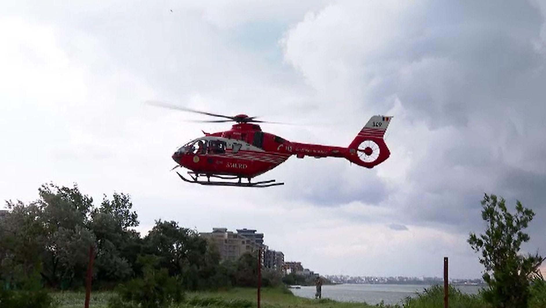 Alertă în Mamaia, după ce un velier cu trei persoane la bord s-a răsturnat