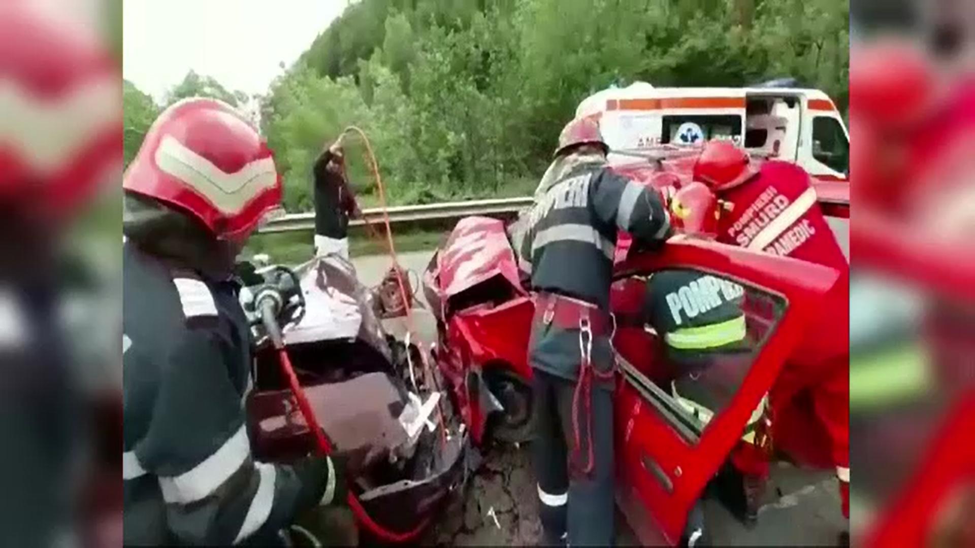 Accident violent in Dâmbovița. Patru persoane au fost grav rănite