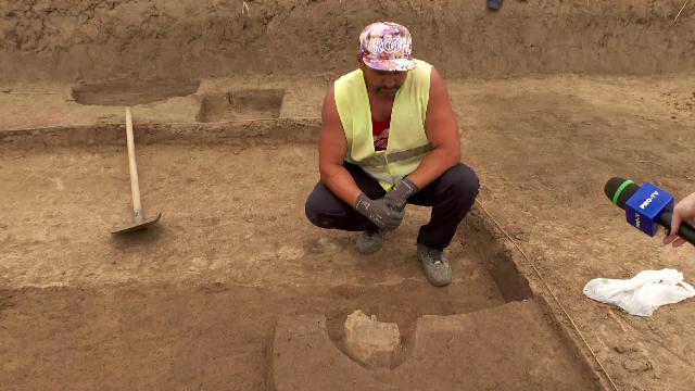Cum au ajuns zidari, sudori şi tâmplari arheologi de ocazie. Salariul este de 2.000 de lei