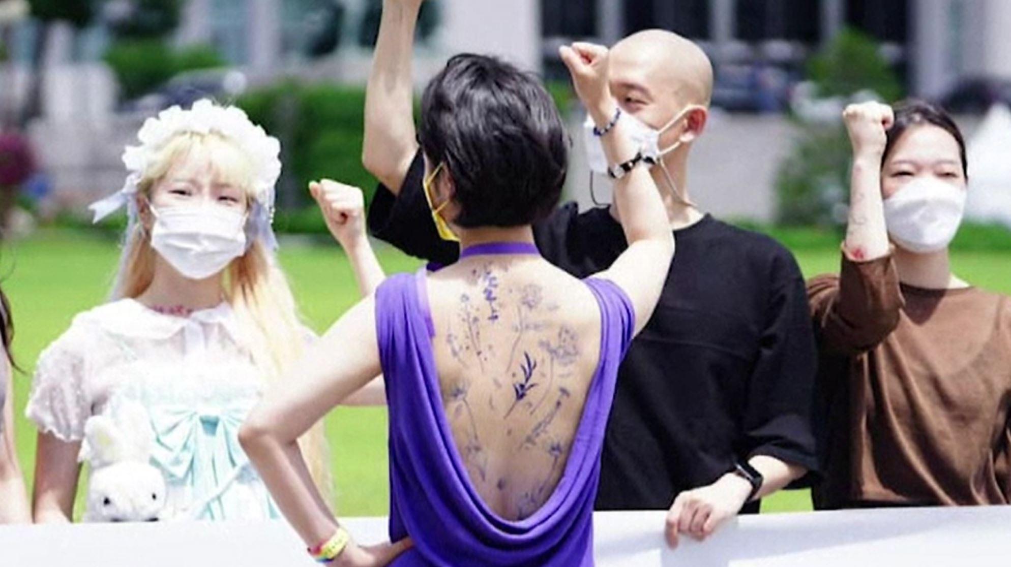Țara unde tatuarea este interzisă prin lege. Artiștii lucrează pe ascuns, iar dacă sunt prinși riscă închisoarea