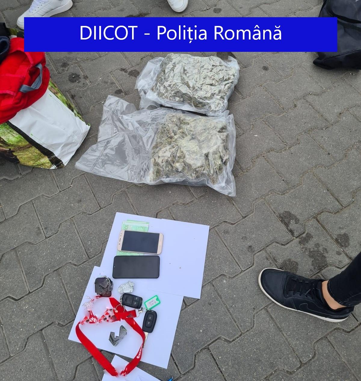 Un tânăr din Cluj a primit un colet din Spania și a fost arestat imediat. Ce era în pachet. GALERIE FOTO