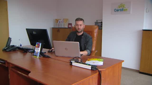 Angajaţii care lucrează pe cont propriu, mai cautați ca oricând în România. Ei produc 24% din PIB