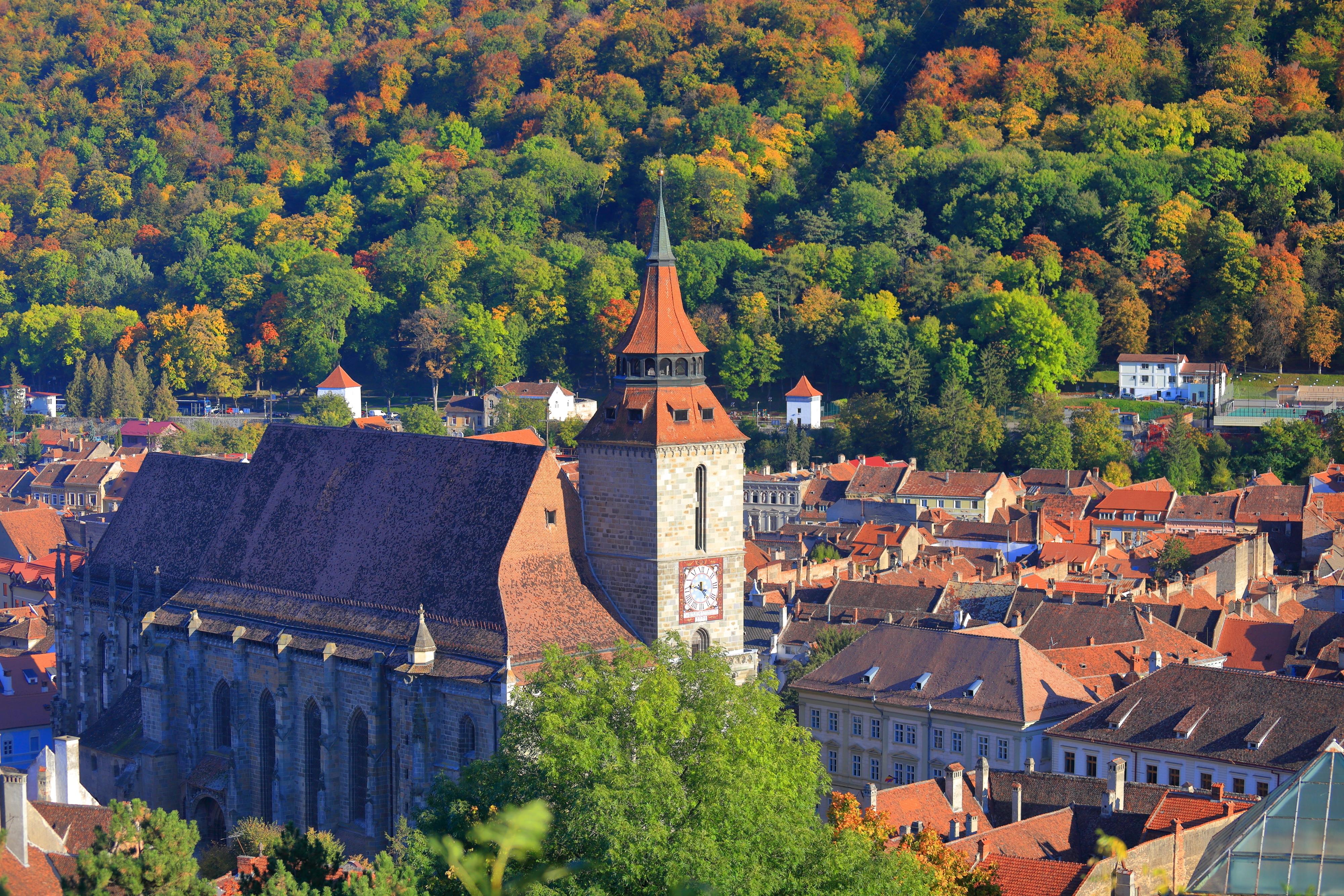 Centru de vaccinare, deschis la Biserica Neagră din Brașov. Doritorii pot vizita gratuit lăcașul de cult