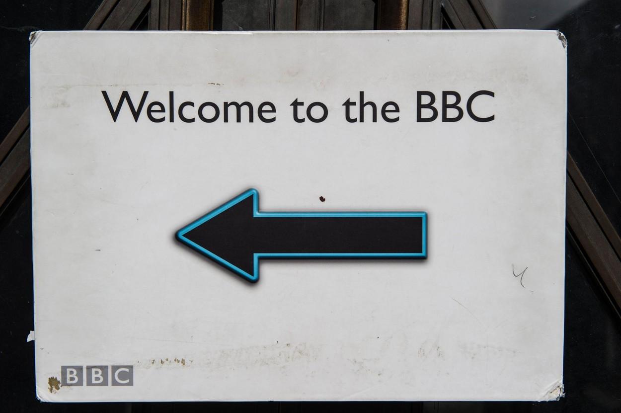 BBC a interzis persoanelor albe să aplice pentru un loc de muncă plătit cu 18.000 de lire pe an
