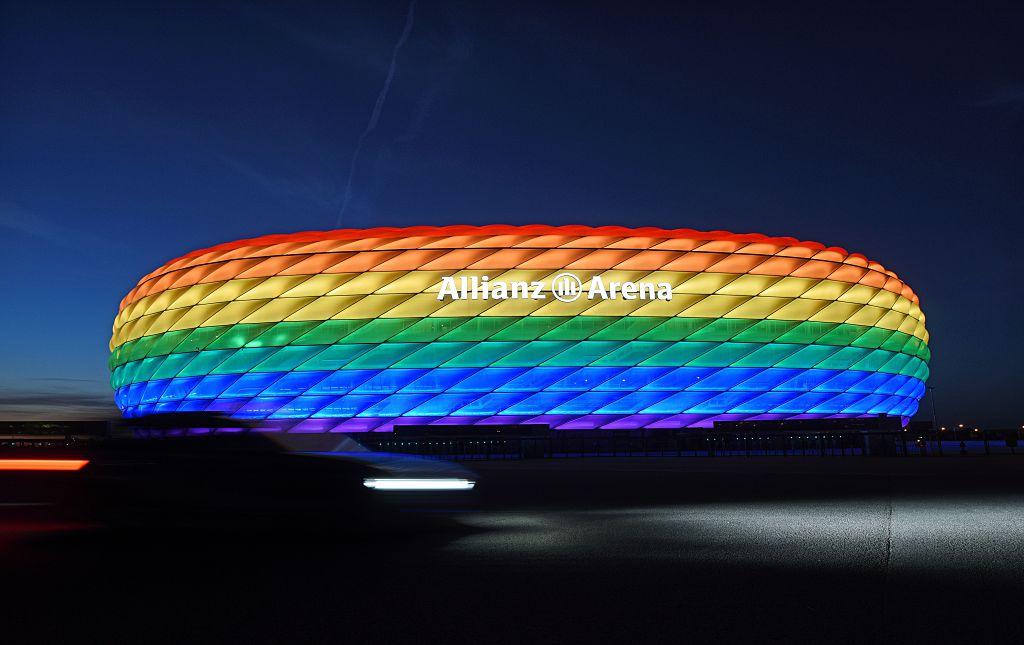 Reacția autorităților din Munchen după ce UEFA a interzis iluminarea Allianz Arena în culorile comunităţii LGBT