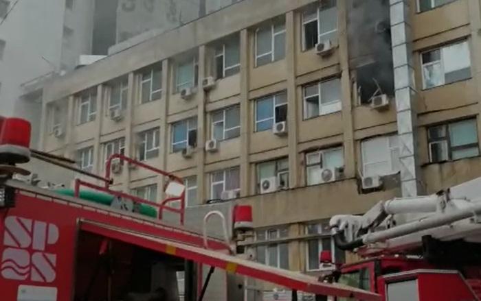 """Cîțu, după incendiul de la Iași: """"Am evitat o tragedie"""". Orban spune că au dat bani pentru reparații"""