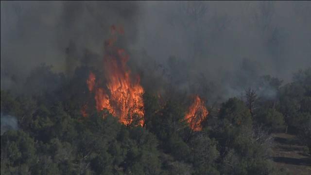 Incendiile de vegetație fac ravagii în SUA. Oamenii sunt nevoiți să-și părăsească locuințele