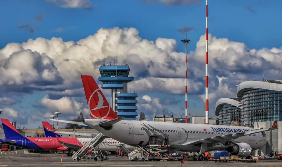 800 de angajați de la Aeroporturi București, trimiși în șomaj tehnic