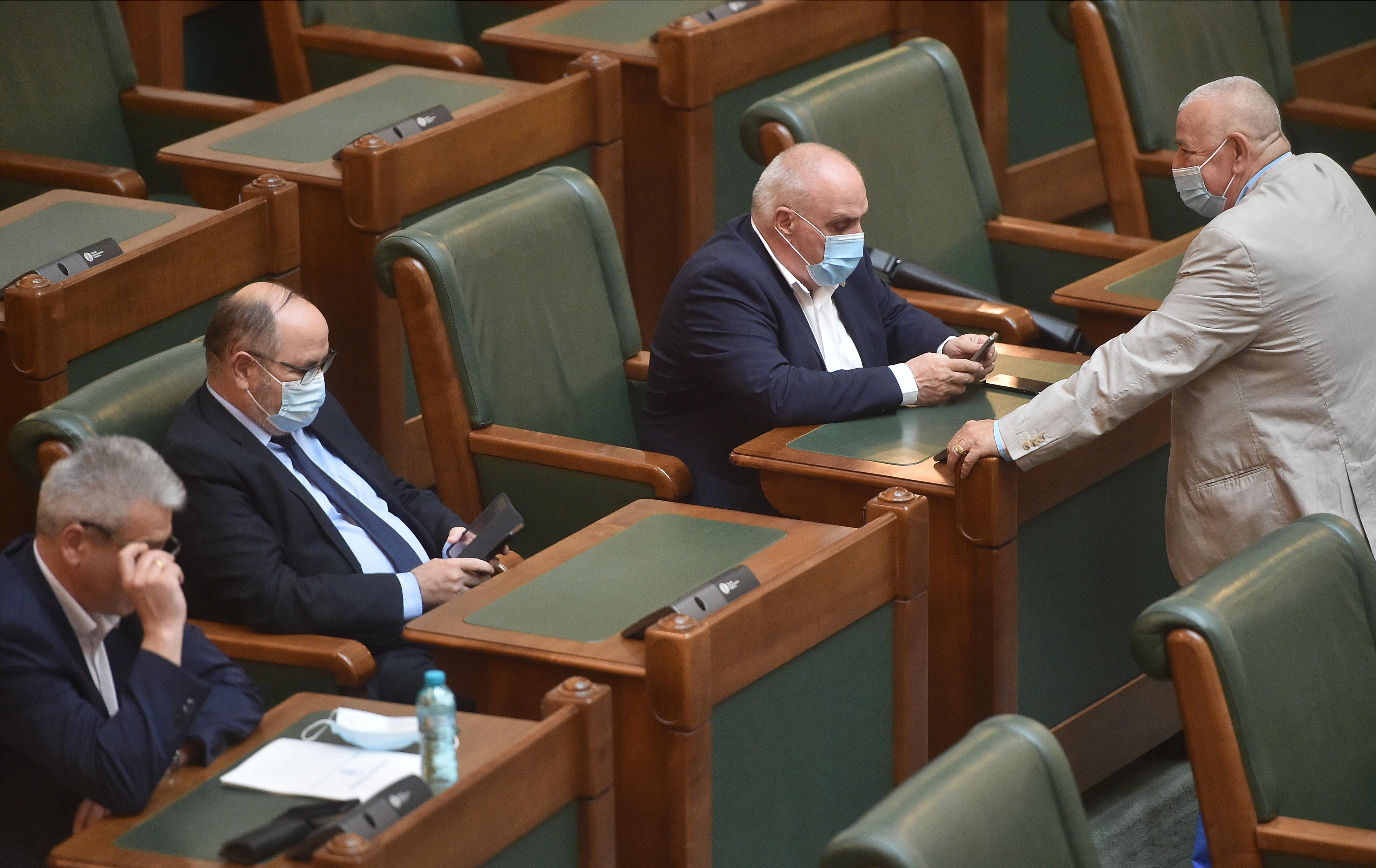 Plenul reunit, în care trebuiau numite conduceri interimare la SRTv şi SRR, suspendat din lipsă de cvorum