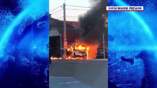 Și-au incendiat ambele mașini în timp ce făceau un grătar în curtea casei. Ce greșeală au făcut