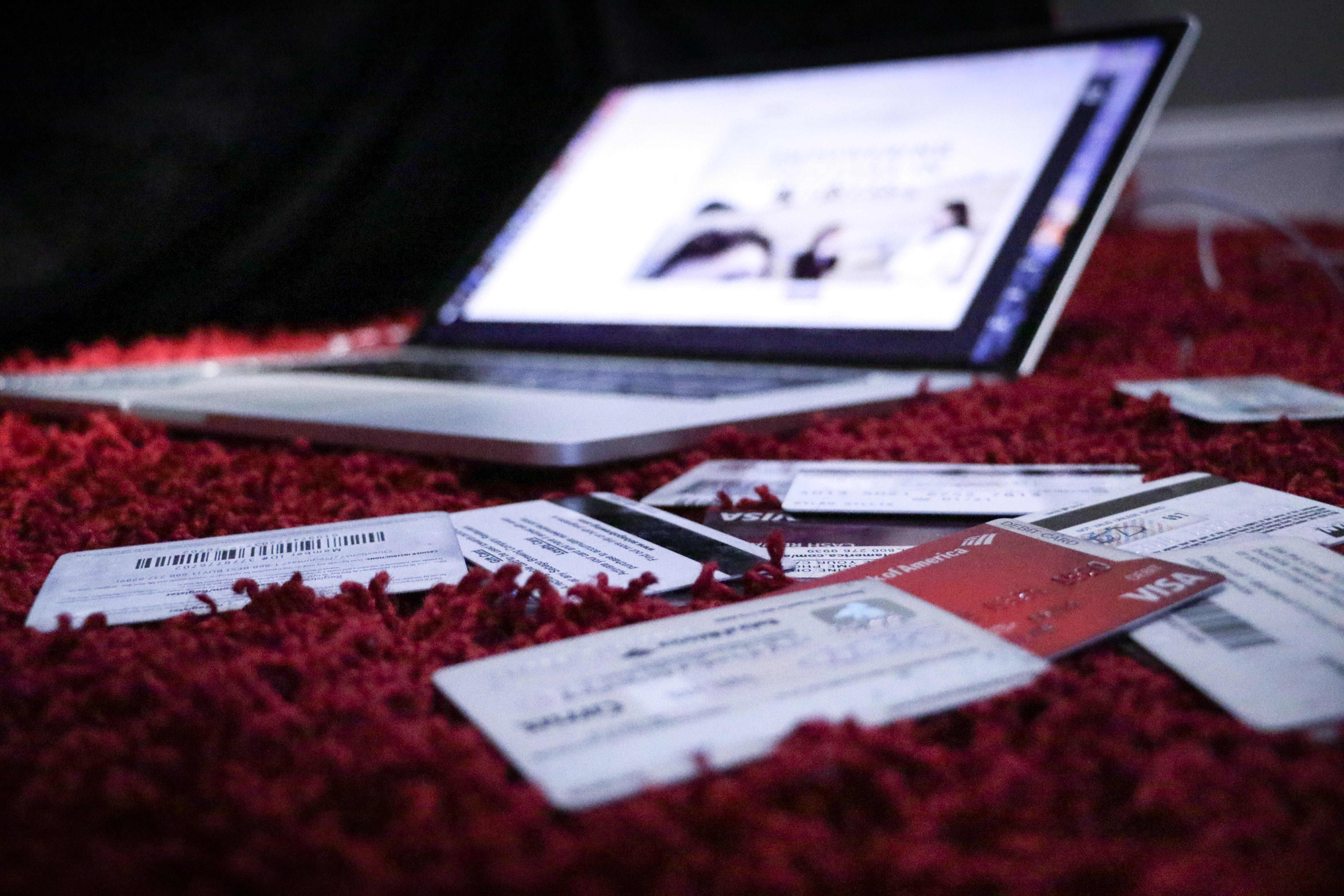 (P) Cele mai scumpe lucruri pe care le puteți cumpăra online