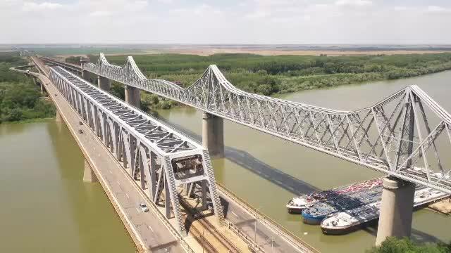 Parlamentarii vor să elimine taxa de pod de la Cernavodă și Vadul Oii