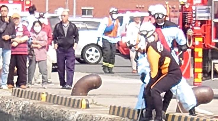 Au fost chemați să salveze o femeie de la înec. Ce era, de fapt, în apă