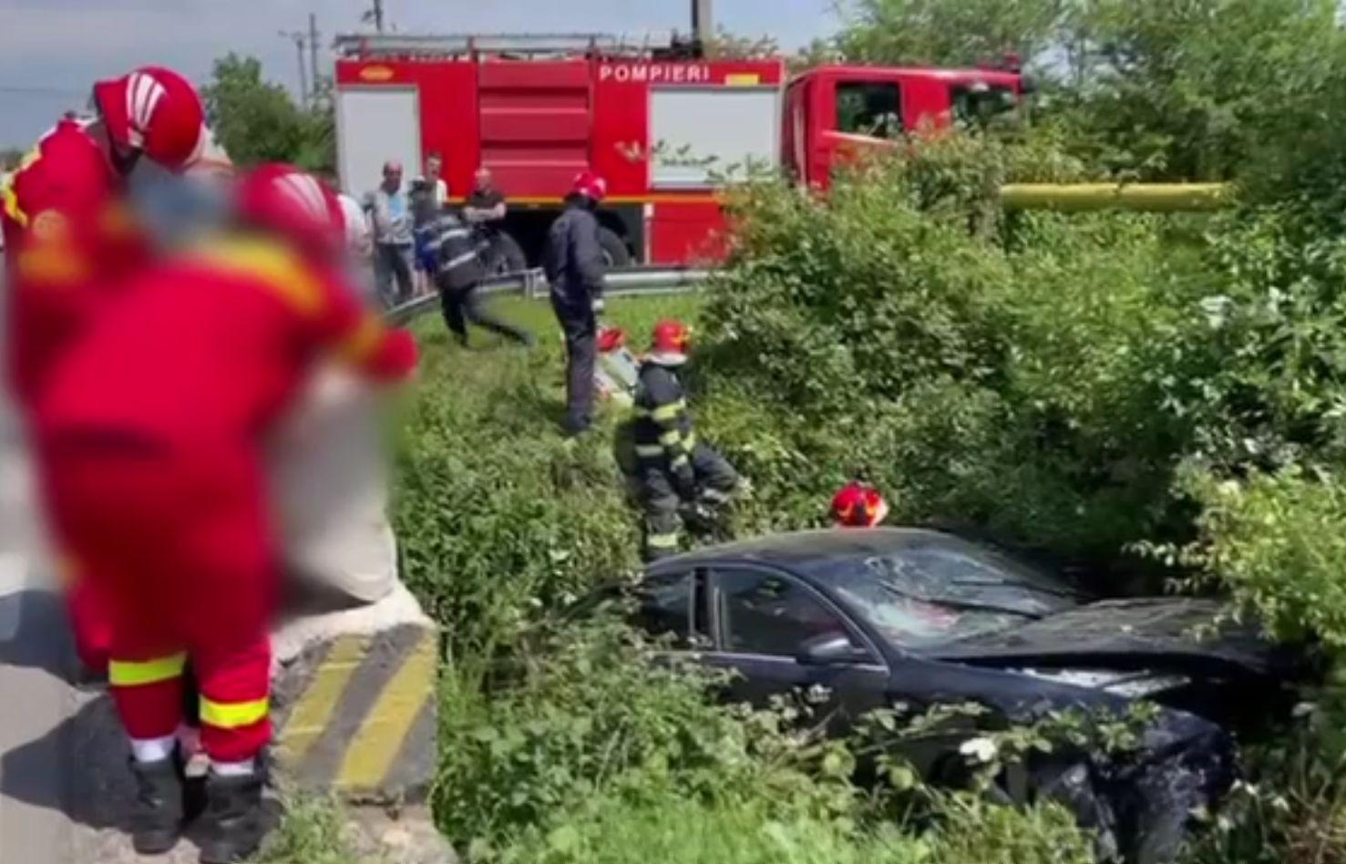 Cinci răniți după ce o șoferiță nu s-a asigurat la virajul la stânga, în Dâmbovița