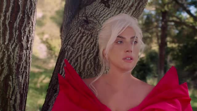 (P) Lady Gaga, ambasadoarea noului parfum Voce Viva by Valentino
