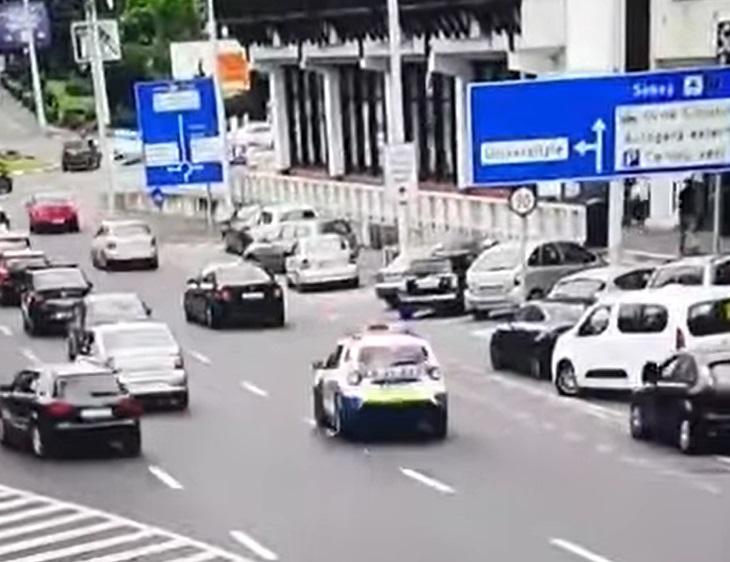 Șofer de 20 de ani oprit cu greu de polițiști, după o urmărire prin Sibiu: Nici nu știm cum să o catalogăm. VIDEO