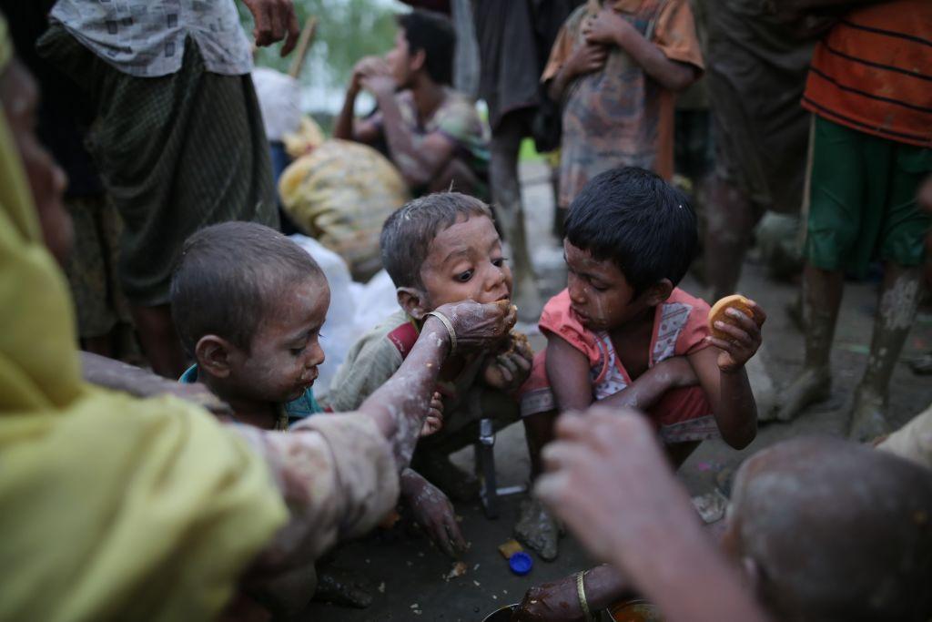 Foamete cumplită în Madagascar: oamenii mănâncă lăcuste și noroi pentru a supraviețui