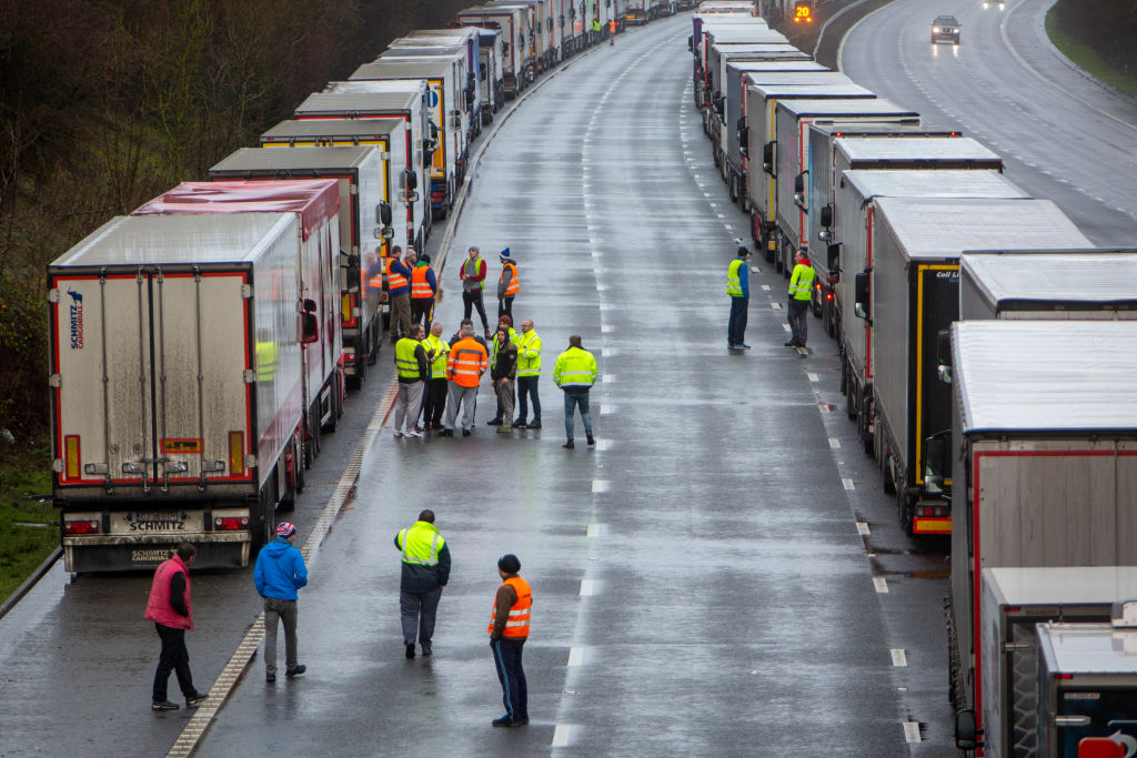 Marea Britanie se confruntă cu probleme în aprovizionarea cu alimente din cauza lipsei șoferilor