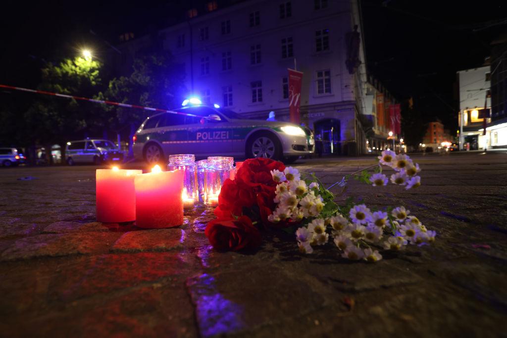 Cine sunt cele trei persoane ucise vineri în Germania. Autorul atacului, plasat în arest preventiv