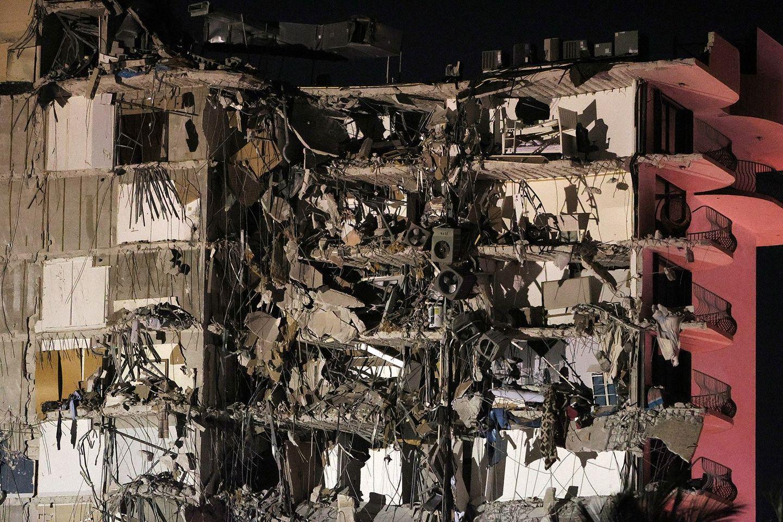 Misterul prăbușirii blocului din Miami. Ce ar fi putut provoca dezastrul care a dus la dispariția a 159 de oameni