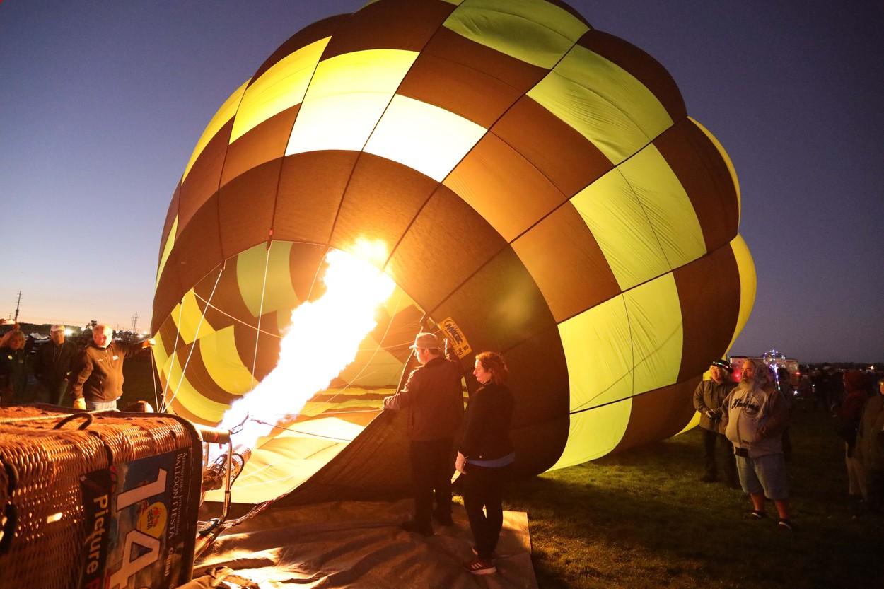Un balon cu aer cald s-a prăbușit la aterizare, în Noua Zeelandă. 11 persoane sunt rănite