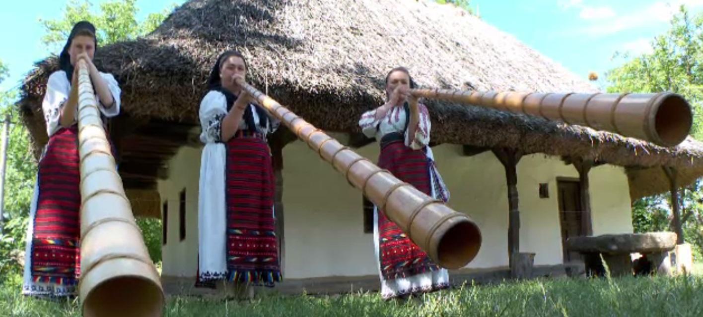 Meșterii populari și-au arătat iscusința la un târg din Cluj. De ce au fost impresionați turiștii străini
