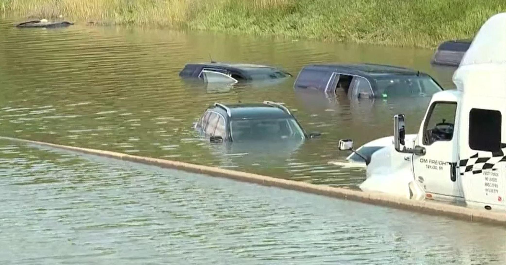 Inundații devastatoare în Statele Unite. În Detroit a fost declarată stare de urgență